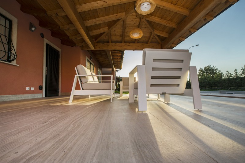 Neolith House Rome_Terrace_Strata Argentum Riverwashed 3
