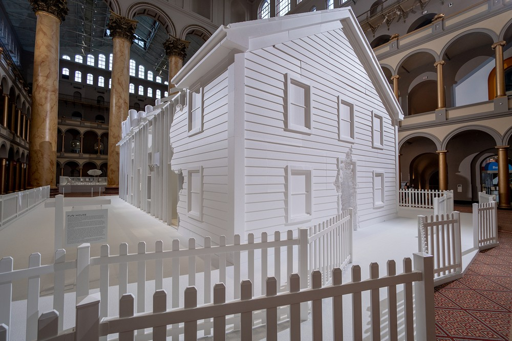 snarkitecture_fun_house_exposition_national_builging_museum_musée_washington_usa_bulle_architecture_scénographie_maison